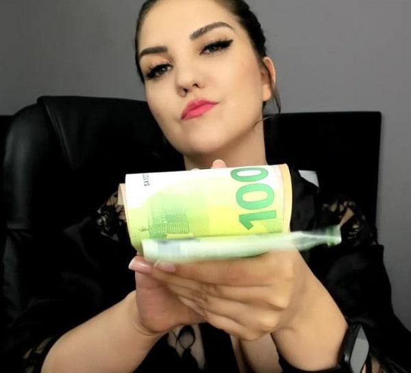 findom brat flashing money wad