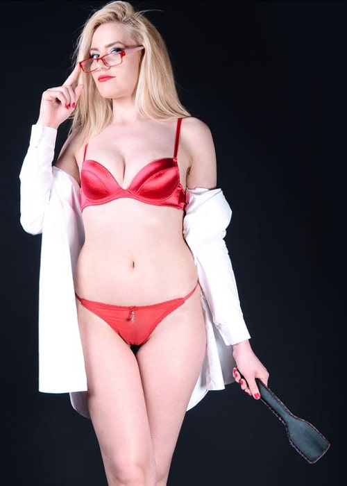 glasses findomme posing red panties & bra